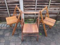 A SETOF 3 FOLDING MID 20TH CENTURY DECK CHAIRS, VERY GOOD CONDITION.