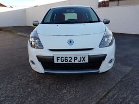 Renault Clio Dynamique TOMTOM in White Only 17,700 miles