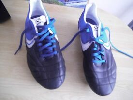 sondico football boots size 7. 5