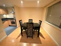 2 Bedrooms Ground Floor Flat with 2 Toilets & bathrooms and Allocated Parking, Shadwell-DSS Welcome
