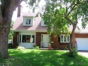 725 000$ - Maison 2 étages à vendre à St-Lambert