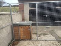 Dog cage with brand new kennel to suit large dog
