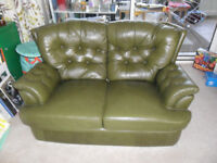Vintage Retro Green Leather Small Chesterfield Style 2 Seater Sofa - Excellent - Collect CM3 Area