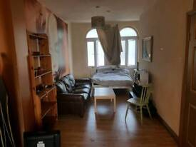 FLAT TO LET 1 BEDROOMS OPEN PLAN VERY LARGE SPACE