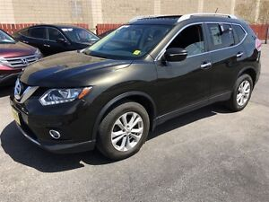 2014 Nissan Rogue SV, AWD, Panoramic Sunroof, Back Up Camera