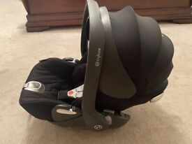 Cybex Cloud Q Reclining baby seat with isofix base