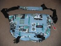 ( New with tag ) Eastpak Messenger Bag JR Multicolour 11.5 L EK07708H