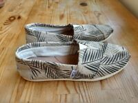 TOMS Alpargata Flat Slip on Espadrilles. UK 3. EU 36.