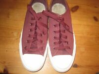MANS CONVERSE ALL STARS TRAINERS SIZE 7