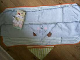 Baby/kids towels and pack of extra large bibs