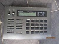 Roland R8 Human Rhythm Composer Drum machine with ACH 240E power supply