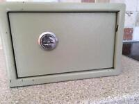 Lockable safe