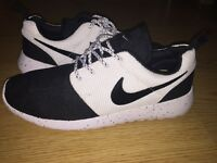 New Nike Run (Black/White)