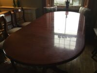 Extending table and chairs seats 6/8 people