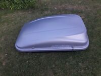 Roof Box Auto-XS 320L complete with Two Keys