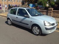 Renault Clio - Great service history, MOT until 31/08/17. Selling due to move to London