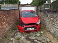 Ford b max 2013 damage