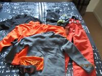FANTASTIC JOB LOT UNISEX KIDS SKYING CLOTHES JOB LOT NEW TO AS NEW LOOK!!