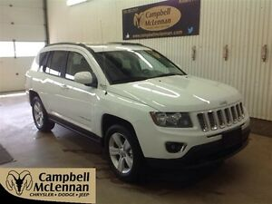 2016 Jeep Compass Sport/North | 4WD | Bluetooth | Sunroof