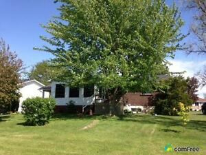 $222,000 - Bungalow for sale in Bainsville Cornwall Ontario image 2
