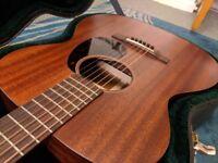 Martin 000-15M Solid mahogany USA acoustic guitar 2014. Original hard case.