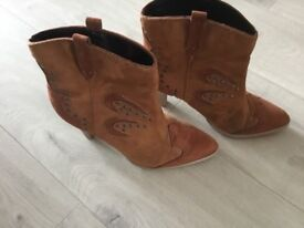Ladies H & M brown cowboy style ankle boots size 5 (38)