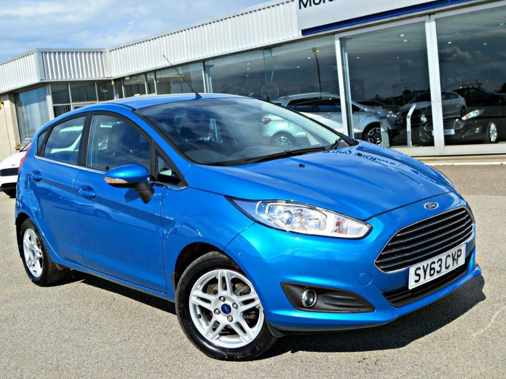 ford fiesta 1 0 ecoboost 100ps zetec 5dr candy blue. Black Bedroom Furniture Sets. Home Design Ideas