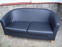 TUB STYLE 2 SEATER SOFA AS NEW COST £159 ONLY £25 FOR QUICK SALE