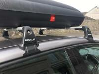 Renault Captur Locking Roof Bars Used Once