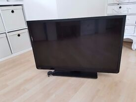 """TOSHIBA 32"""" LED TV WITH BUILT IN DVD - USED"""