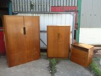 Wardrobe draws and dressing table set Delivery available £45