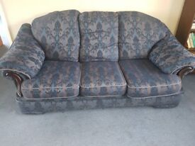 A very good quality A 3 piece suite 3 seater sofa + 2 seater sofa & one