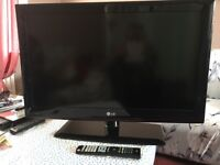 """TV 32"""" LCD very good TV (NOT working HDMI) only 50 pounds"""