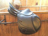 "BRAND NEW John Whitaker 16"" saddle"
