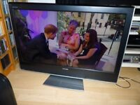 Toshiba 37 inch HD ready LCD TV - 2x HDMI + built in Freeview - immaculate