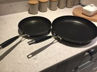 2 non stick frying pans vgc