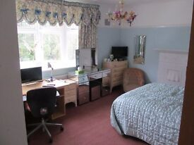 Winton/Talbot Woods NEW luxury lge Bay window bedroom with EN SUITE SHOWER ROOM