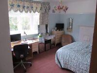 Winton/Talbot Woods NEW luxury lge Bay window bedroom with EN SUITE SHOWER ROOM