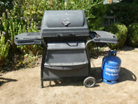 Barbecue in full working order and 15 Kg gas cylinder (almost full) see pictures for more details