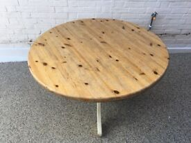 Pine round table for sale - shabby chic - lovely item