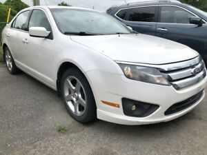 2010 Ford Fusion SE 6-Speed Manual with Air, Pwr Windows, Cru...