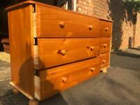 Large wooden pine chest of 6 drawers