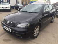 vauxhall astra 1.6 manual black 5 door