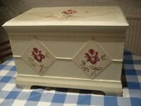 HAND PAINTED WOODEN STORAGE/TOY CHEST/BOX