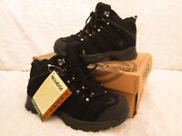 NEVADOS HIKING/WALKING BOOTS Size 4.5 (BRAND NEW)