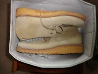 2 Pair mens casual shoes (Desert Boots)