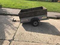 Project trailer wheel nut broke of