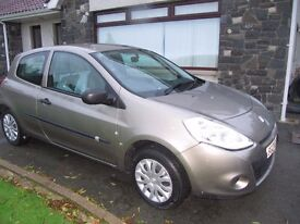 Renault Clio 1.5 Diesel 2010 - only 33,000 miles*
