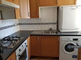 2 bedroom flat in Floor, London, N17 (2 bed) (#1170194)