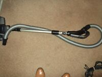 six hoses,six pipes and six floor tools all in good clean condition, a bargain price. joblot £15.00